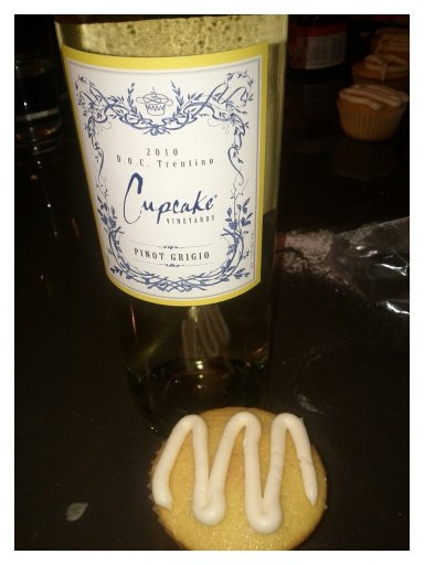 Cupcake wine and cupcakes