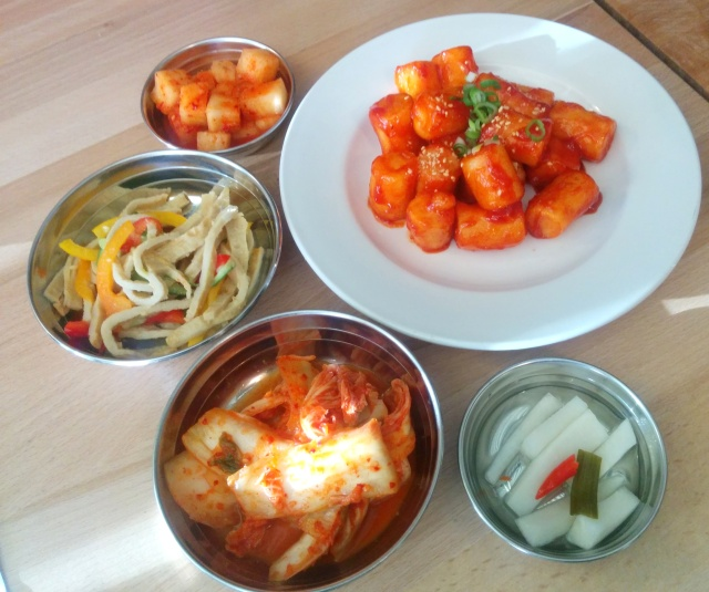 Fried DdukBbokki (Rice Cakes) with Sweet and Spicy Sauce